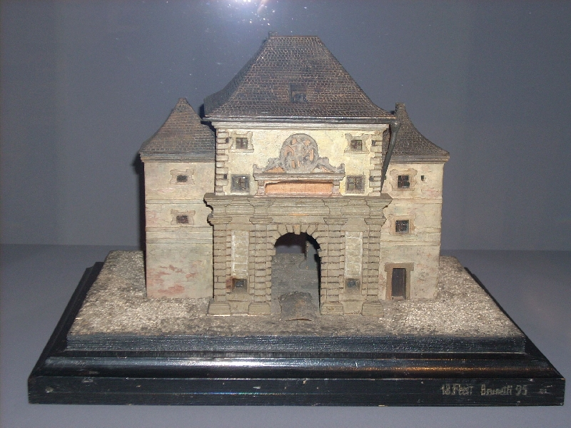 Model of the Linzertor (gate) in Salzburg with the relief of St. Sebastian by Conrad Asper, Josef Brunetti, 1895, wood, polychrome painting, inv. no. 74-26
